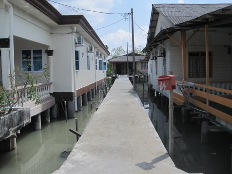 Houses over the water.