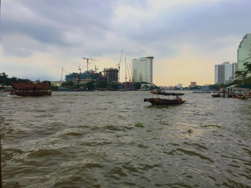A gloomy and rainy morning along the Chao Phraya, Bangkok.